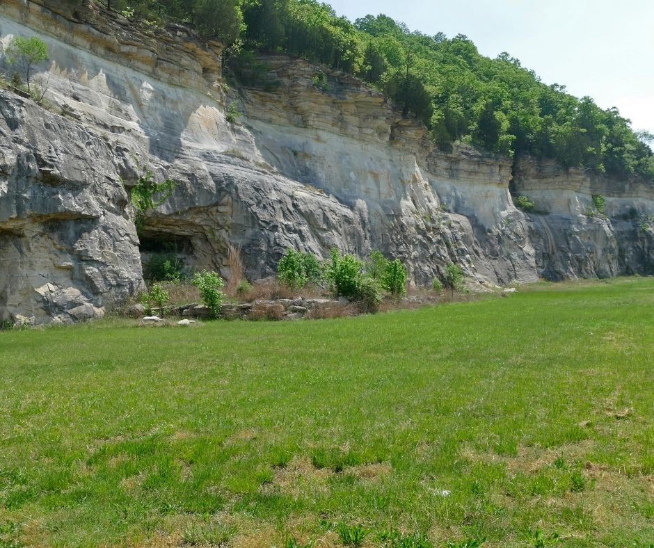 Best Caves in Missouri