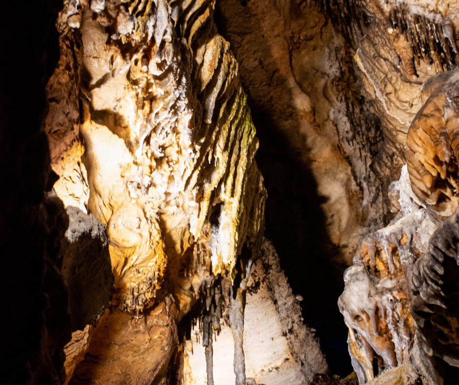 Natural Caves in Tennessee