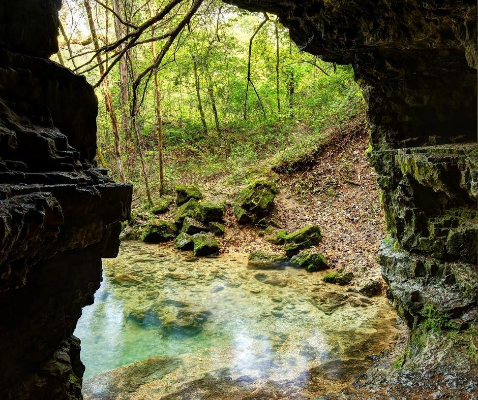 Limestone Caves in Missouri